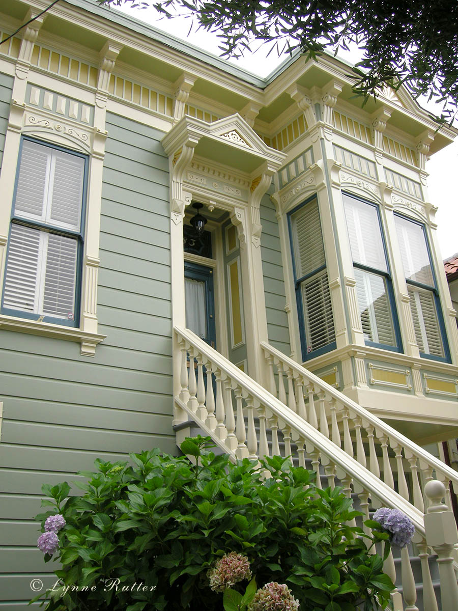 The ornamentalist exterior color noe valley victorian for Exterior paint colors for homes pictures